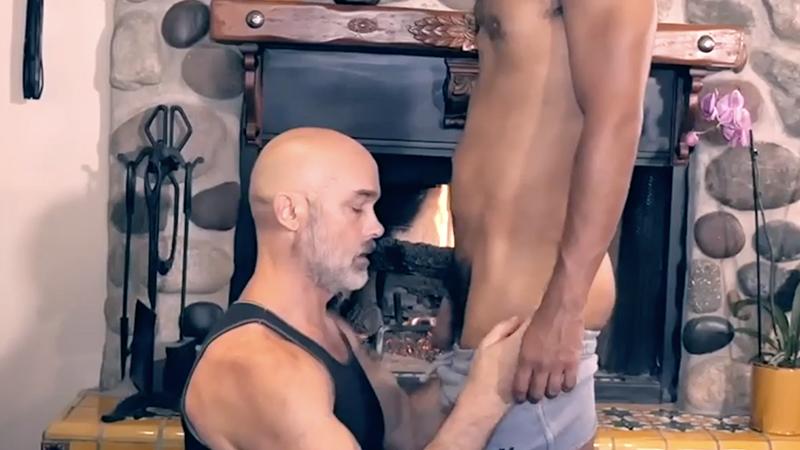 Tantric undressing ritual